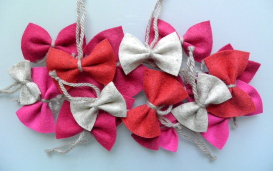DIY Christmas tree bow ornaments