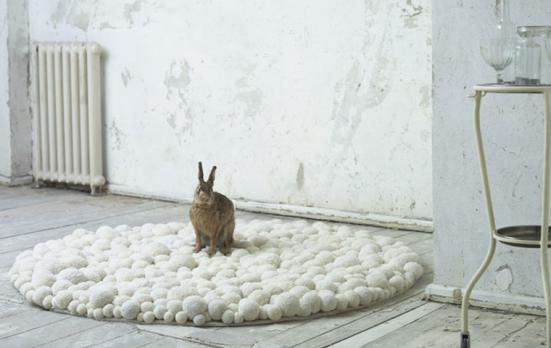 MYK pom-pom carpet